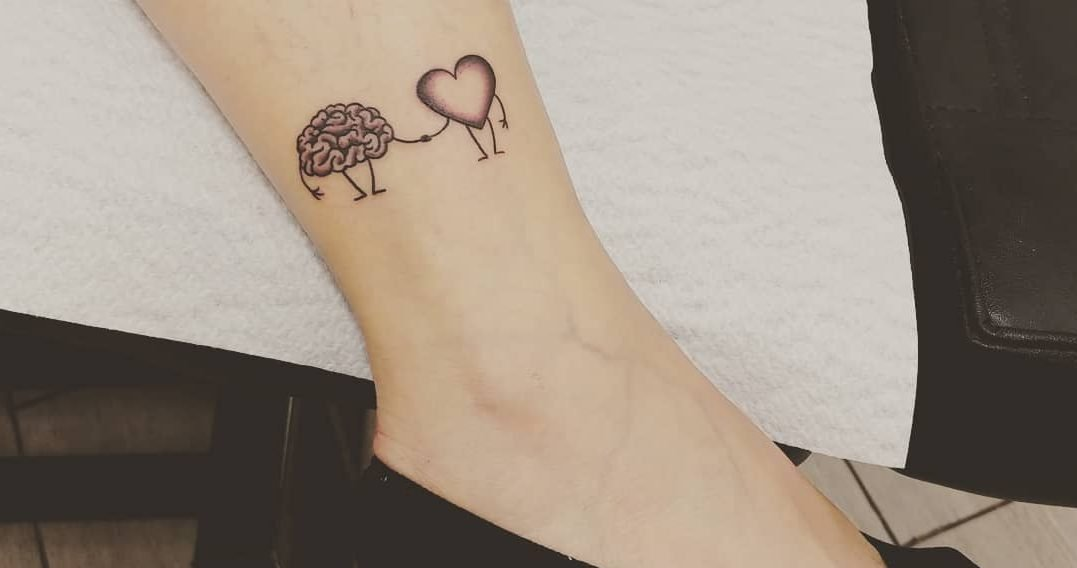 Meaningful tattoo arts for girls