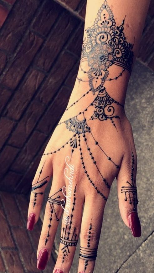 Lace Mehndi Design for Bride to be